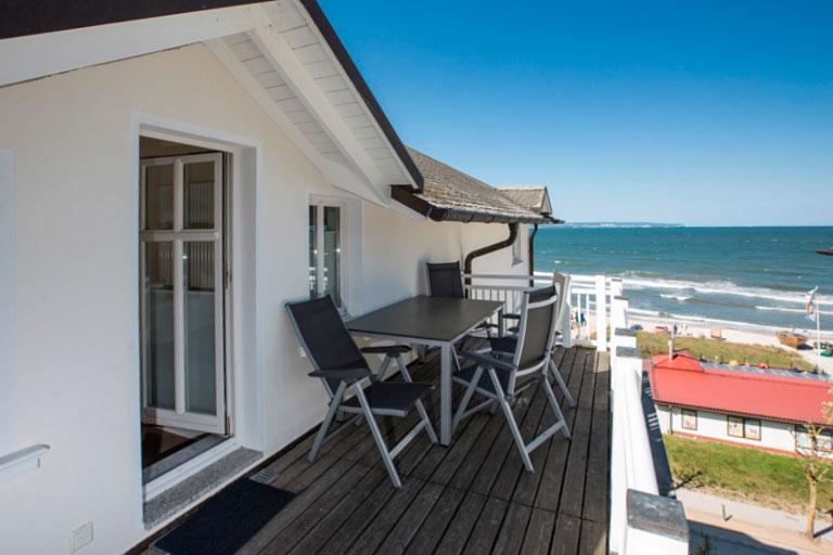 Villa Strandeck - Ferienwohnung ****- direkte Strandlage in Binz auf Rügen